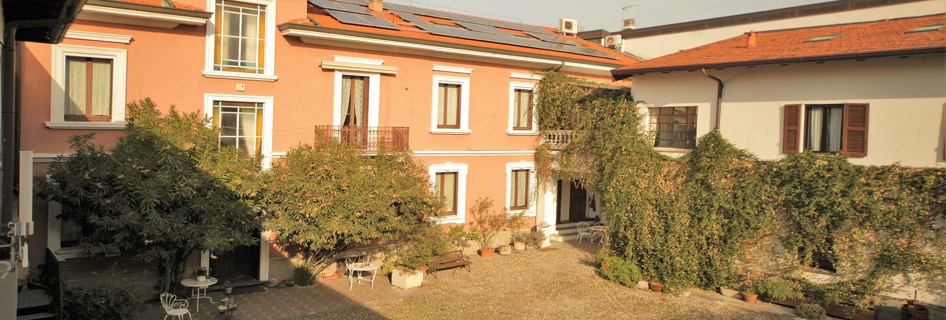 slider: facciata Antica Corte Milanese